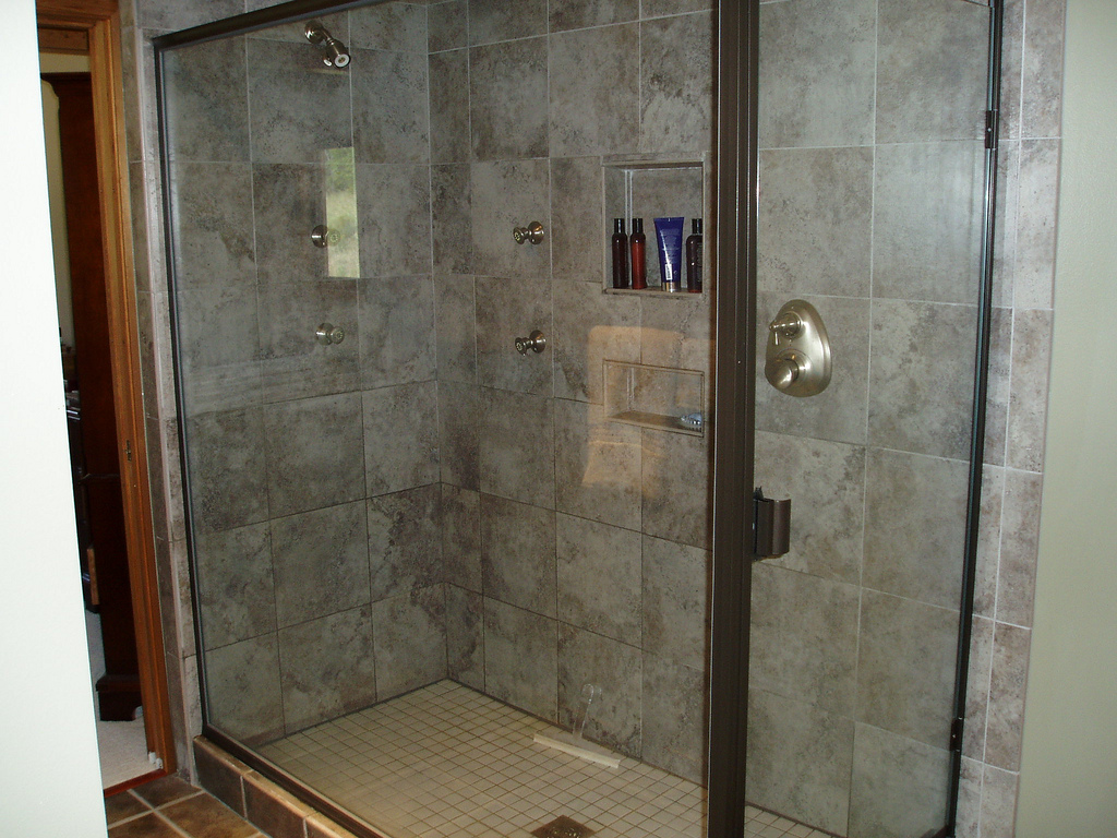 Home design mfg new home builders remodelers for Bathroom renovation services